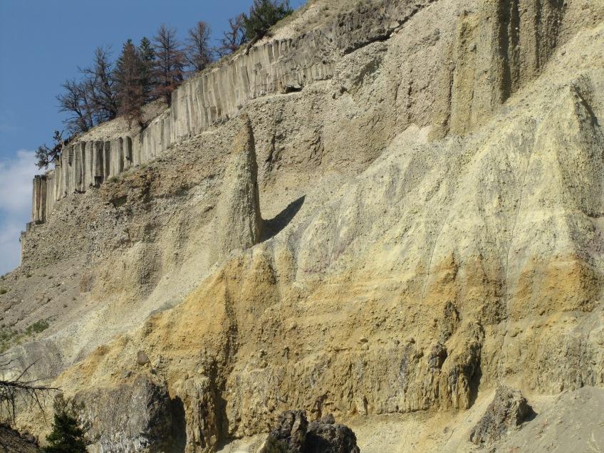 Tour et colonnes de basalte